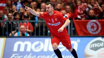 Casper Mortensen baja en el partido de Dinamarca por lesión