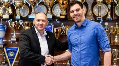 Telekom Veszprem anuncia el fichaje del portero Marton Szekely